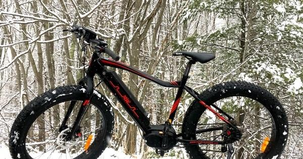 Fifield's electric fat tire bike is available with mid- or rear-drive