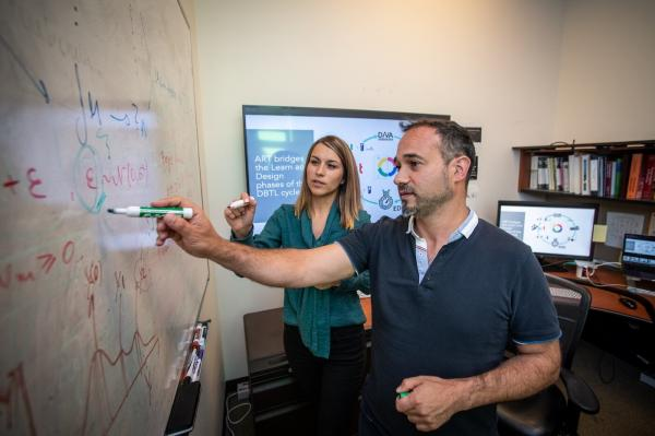 photo of Machine learning takes on synthetic biology: algorithms can bioengineer cells for you image